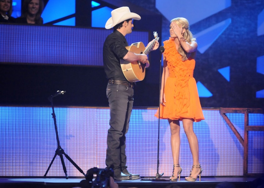 NASHVILLE, TN - NOVEMBER 11:  Musicians Brad Paisley and Carrie Underwood perform onstage during the 43rd Annual CMA Awards at the Sommet Center on November 11, 2009 in Nashville, Tennessee.  (Photo by Rick Diamond/Getty Images)