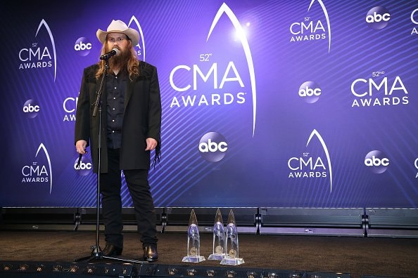 Singer-songwriter Chris Stapleton speaks to the press during the 52nd annual CMA Awards at the Bridgestone Arena on November 14, 2018 in Nashville, Tennessee.  (Photo by Terry Wyatt/Getty Images)